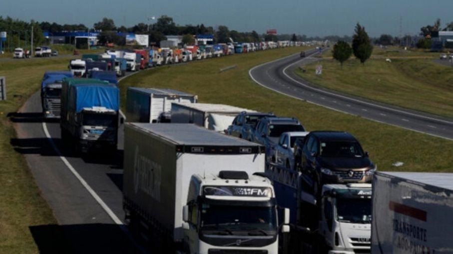 Protesta de transportistas autoconvocados en Tres Arroyos, Chacabuco, Lobería y Necochea