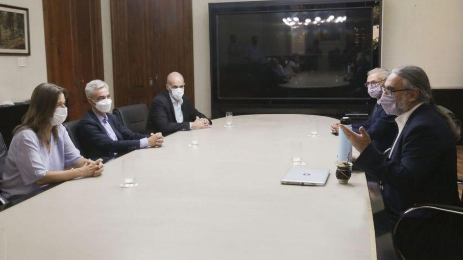 Tres ministros se reunieron para garantizar la seguridad de la producción agropecuaria