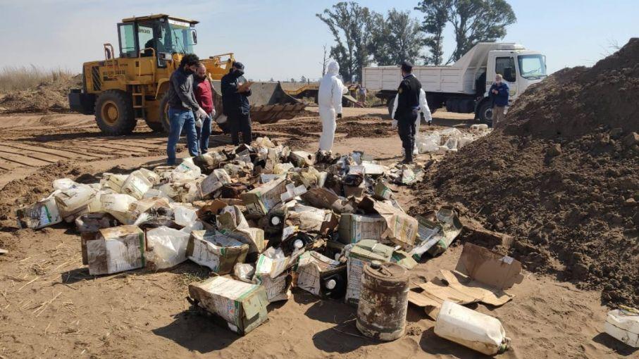 El Gobierno de La Pampa multó con $ 27 millones a una empresa por enterrar bidones de agrotóxicos