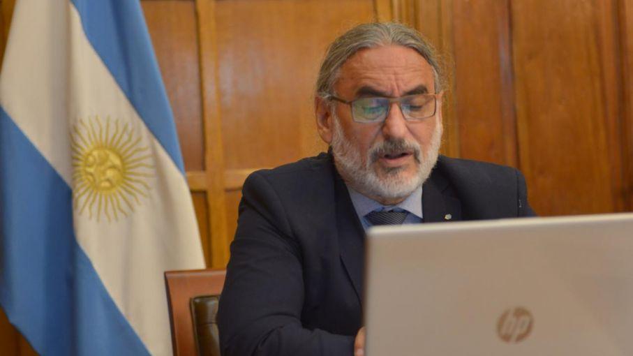 Basterra inauguró la 139° reunión de la Comisión Nacional de Alimentos