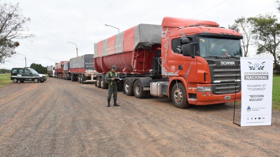 La UIF pide ser querellante en una causa de contrabando de soja a Brasil